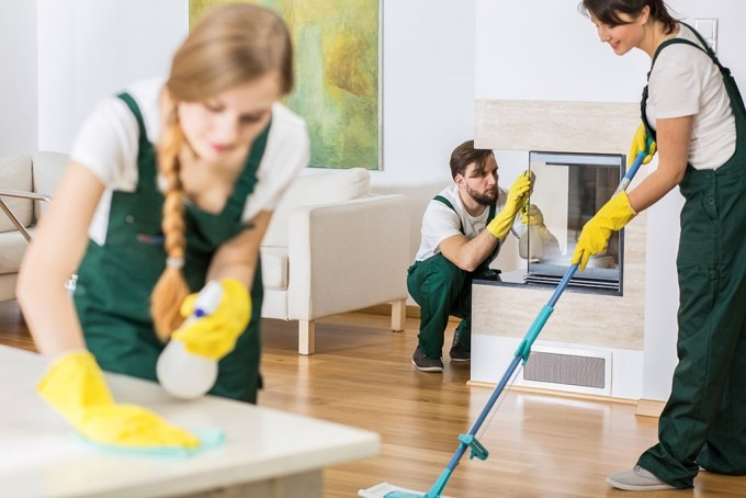 COMPLETE CLEANING SERVICES ARE AT YOUR DISPOSAL