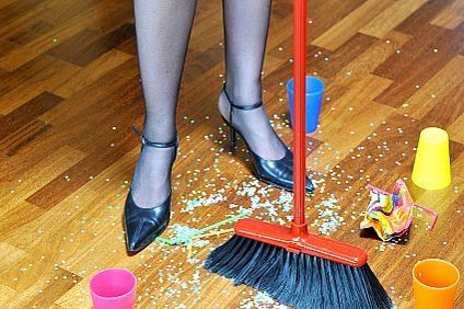 How to Clean Your House Quickly After a Party