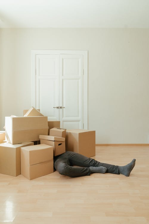 How to clean an apartment before moving out?