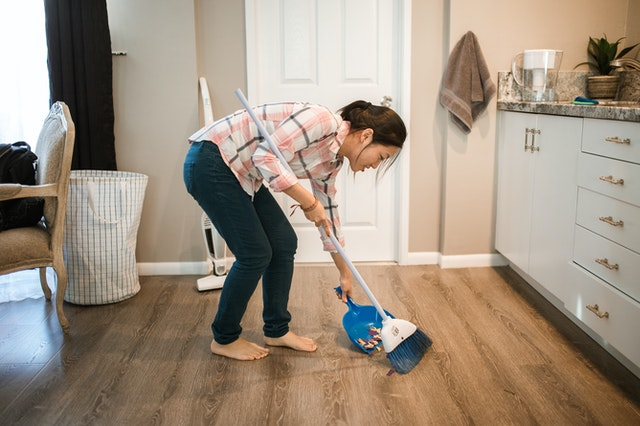 Best Cleaning Tips For A Party-Ready House clean inside