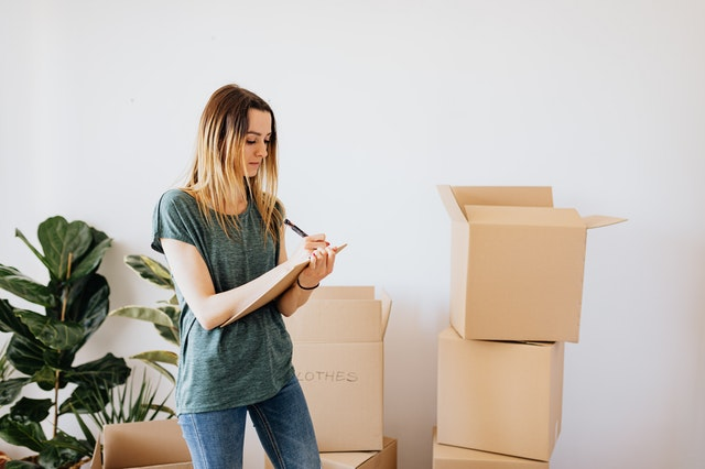 Is It Better To Hire Move Out Cleaners Or DIY expectation of the place