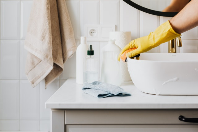 Cleaning Tips for Busy People clean every day