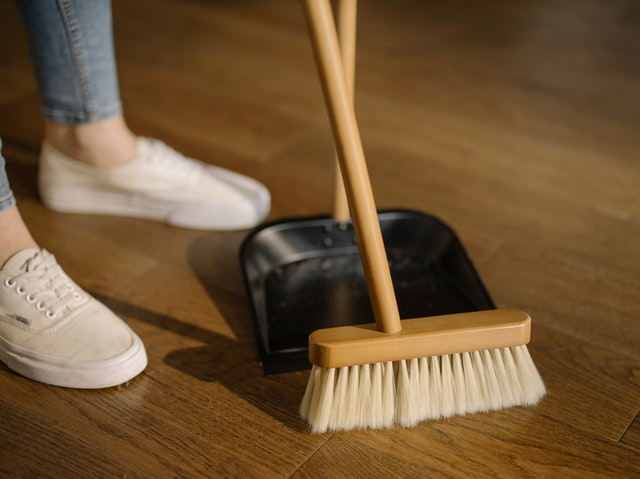 Effective Cleaning Tips for a great Airbnb Apartment clean dust