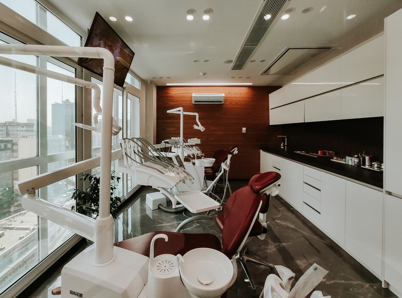 4 Dental Office Cleaning Tips To Keep Your Patients Happy